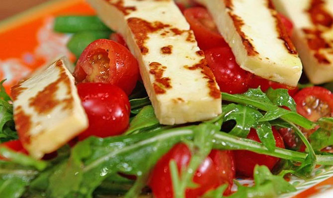Grilled-Haloumi-Salad